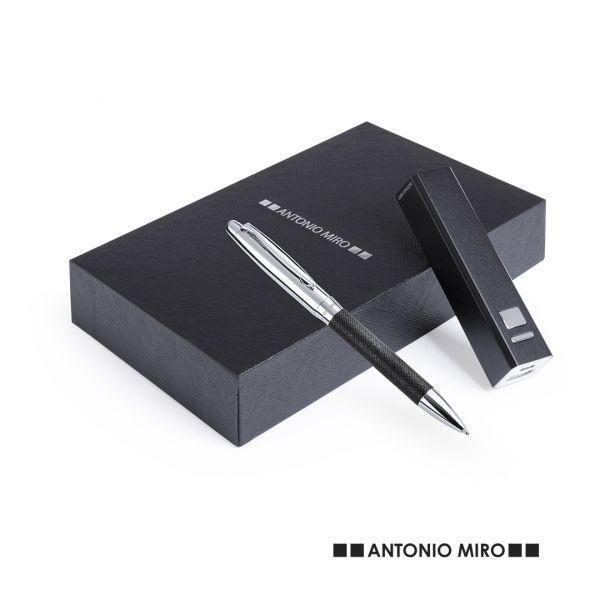 Set Drospen 2200 mAh. 1 Salida USB. Entrada Micro USB. Cable Incluido Piel/ Metal